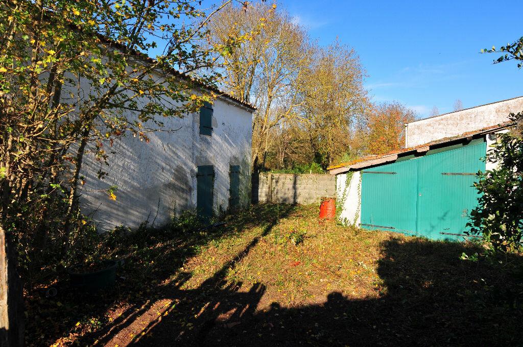 Achat Maison 9 pièces à Saint-Médard-d'Aunis - vignette-4
