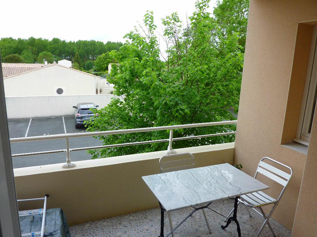 Achat Appartement 2 pièces à Surgères - vignette-1