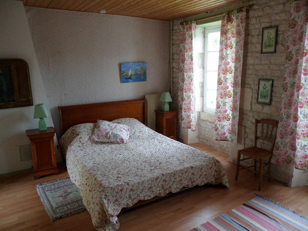 Achat Maison 8 pièces à Saint-Médard-d'Aunis - vignette-4