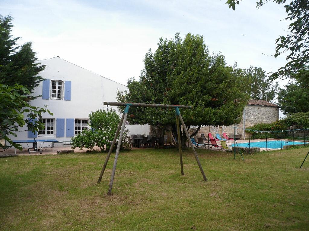 Achat Maison 8 pièces à Saint-Médard-d'Aunis - vignette-6