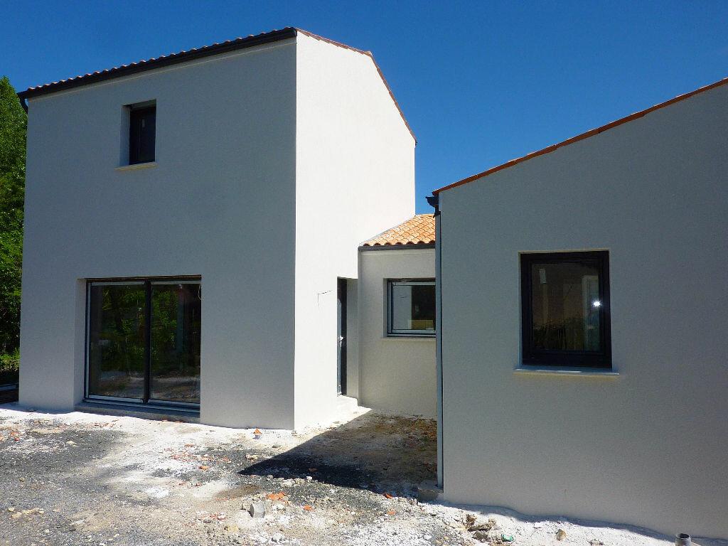 Achat Maison 4 pièces à Surgères - vignette-1