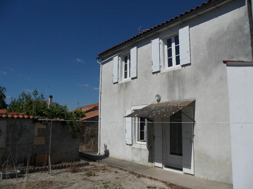 Achat Maison 4 pièces à Saint-Christophe - vignette-1