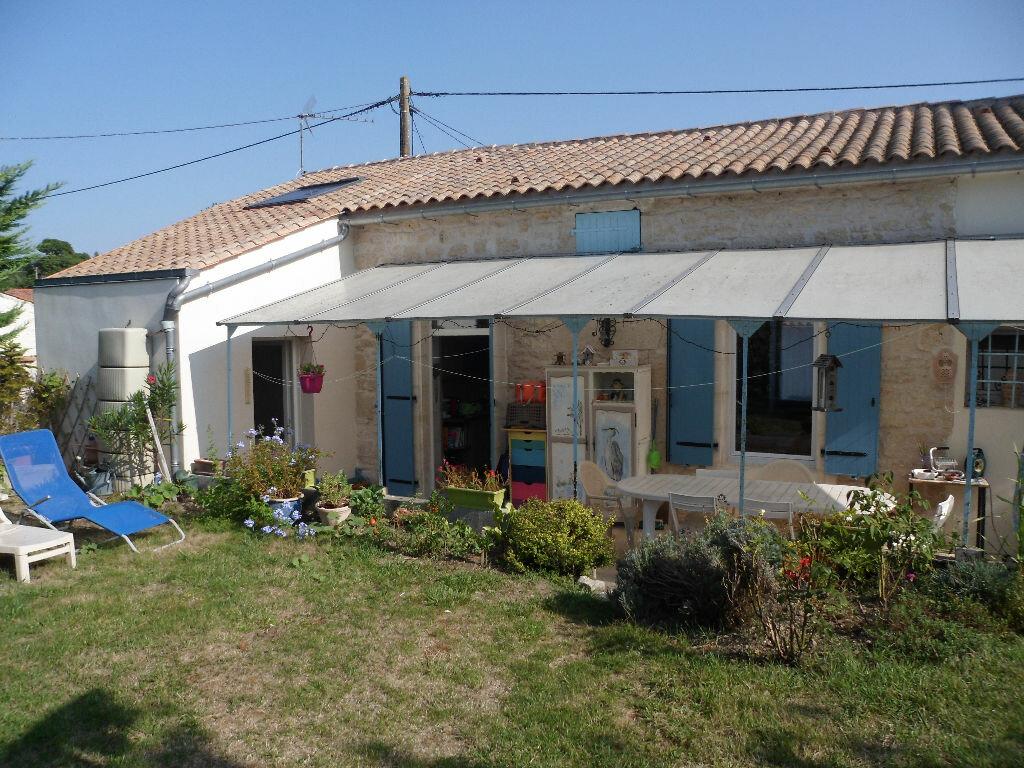 Achat Maison 4 pièces à Ardillières - vignette-1
