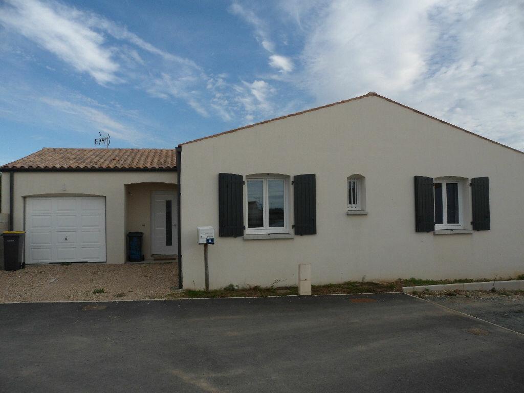 Achat Maison 4 pièces à Ciré-d'Aunis - vignette-1