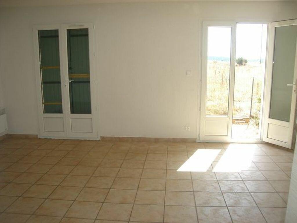 Location Maison 4 pièces à Saint-Julien - vignette-2