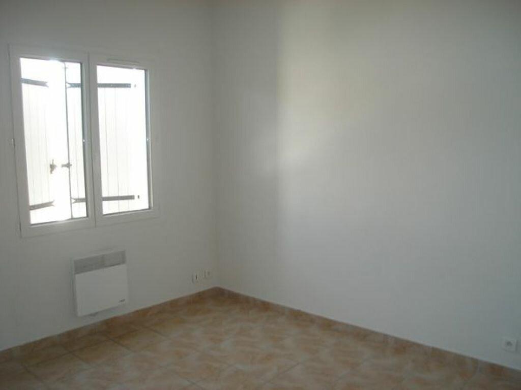 Location Maison 4 pièces à Saint-Julien - vignette-5