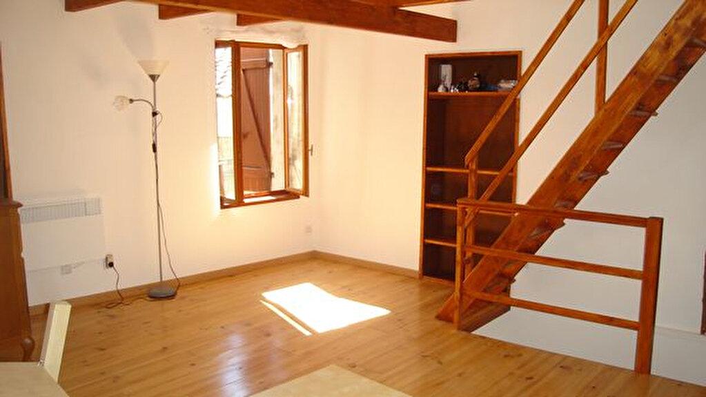 Location Maison 3 pièces à Esparron - vignette-1