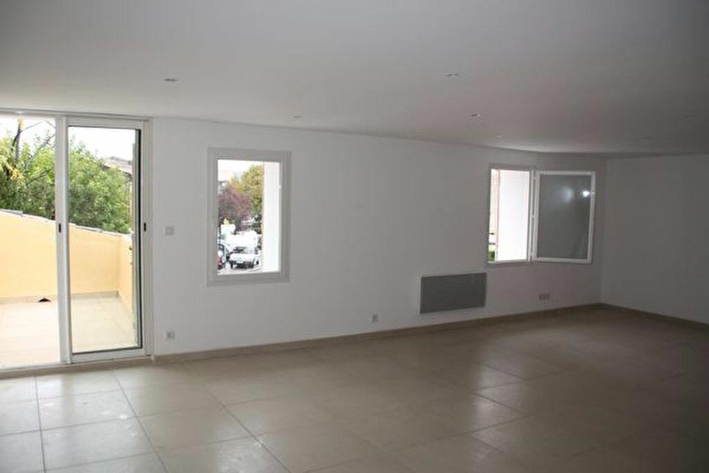Achat Appartement 5 pièces à Saint-Julien - vignette-2