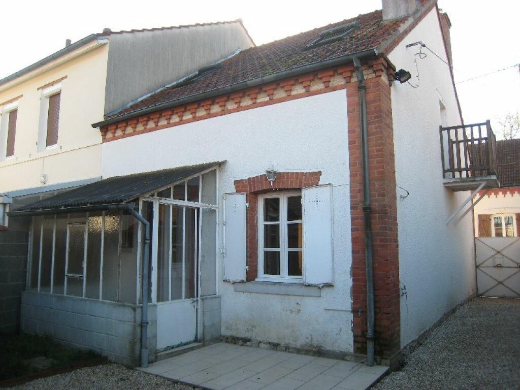 Location Maison 3 pièces à La Ferté-Saint-Aubin - vignette-1