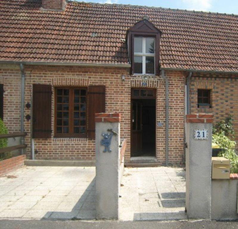 Location Maison 3 pièces à Chaumont-sur-Tharonne - vignette-1