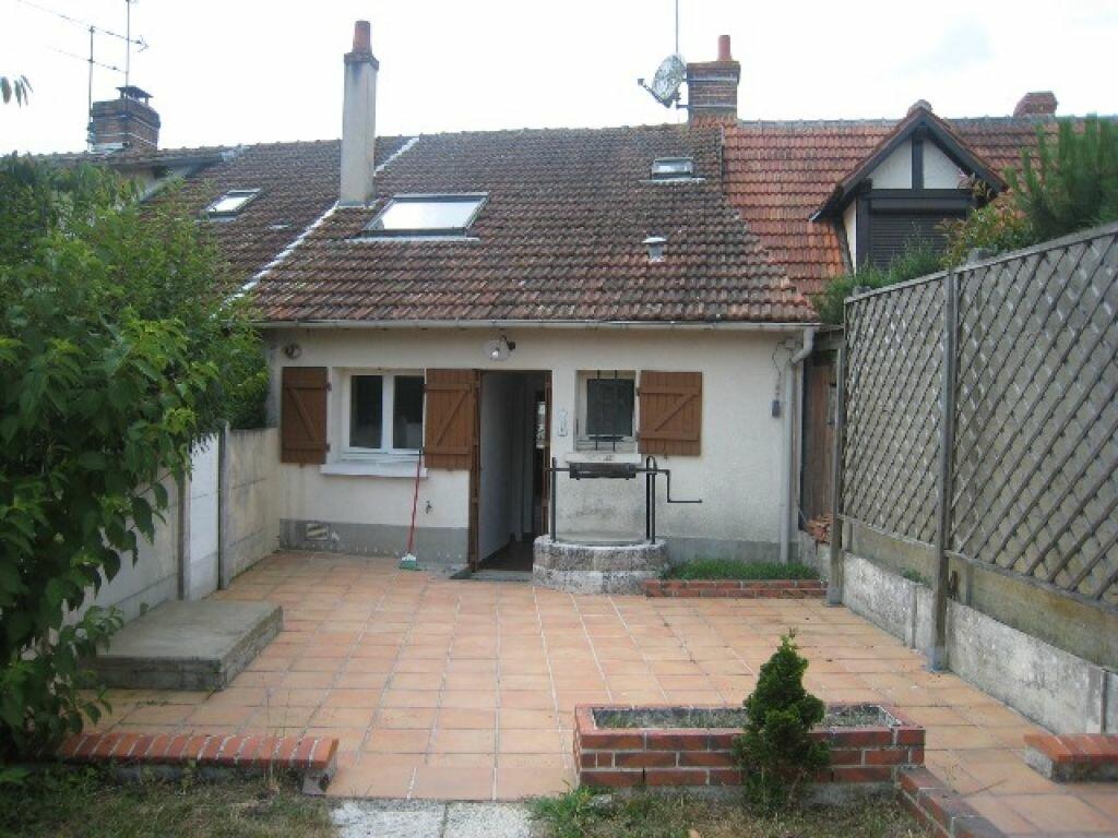 Location Maison 3 pièces à Chaumont-sur-Tharonne - vignette-2