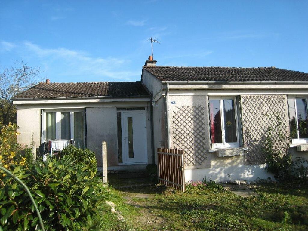 Location Maison 4 pièces à Brinon-sur-Sauldre - vignette-1