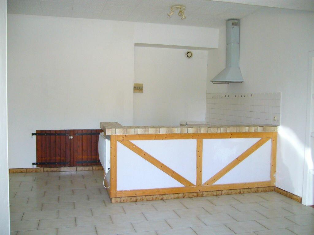 Location Appartement 2 pièces à Ruoms - vignette-1
