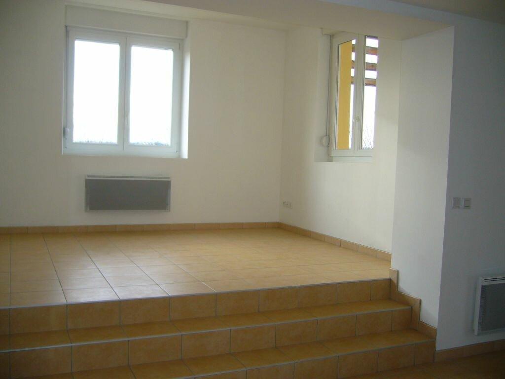 Location Appartement 4 pièces à Ruoms - vignette-2