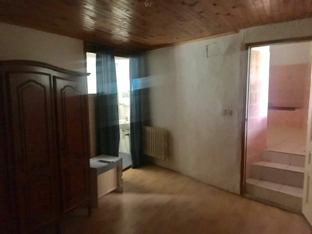 Achat Maison 5 pièces à Saint-Remèze - vignette-8