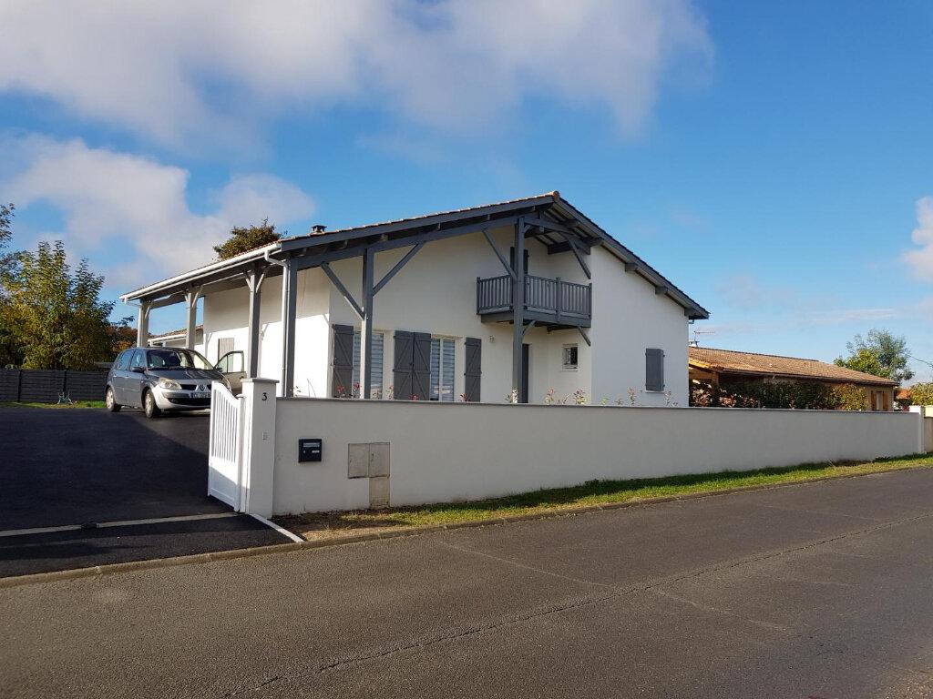 Achat Maison 6 pièces à Castres-Gironde - vignette-1