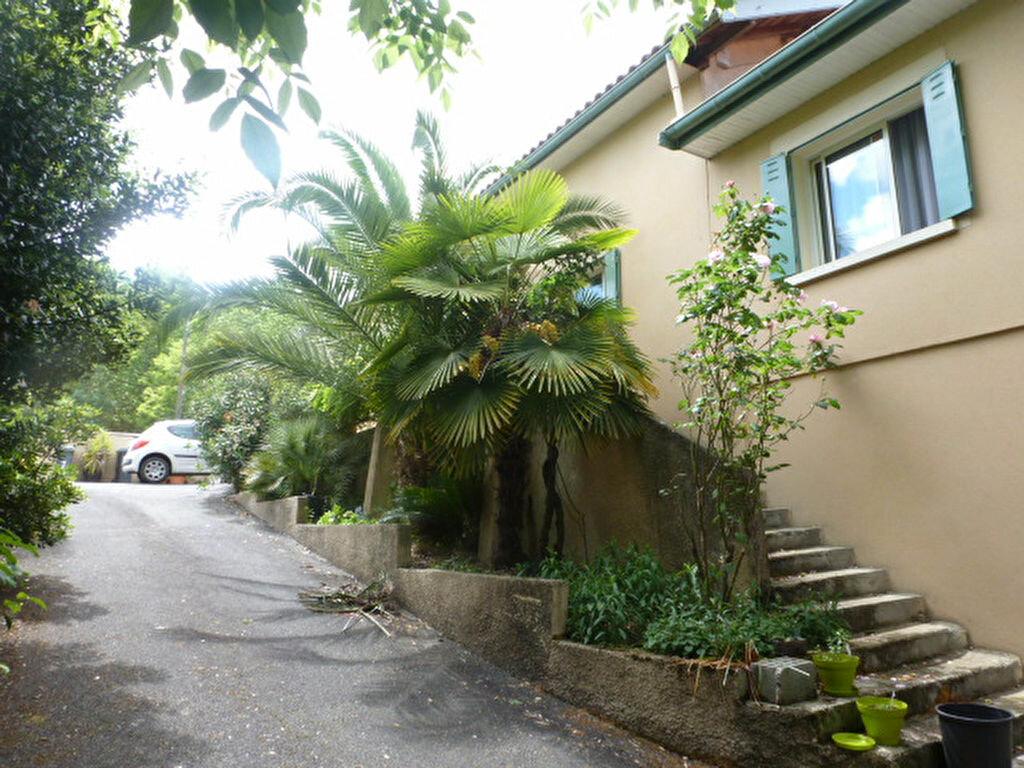 Achat Maison 5 pièces à Castres-Gironde - vignette-2