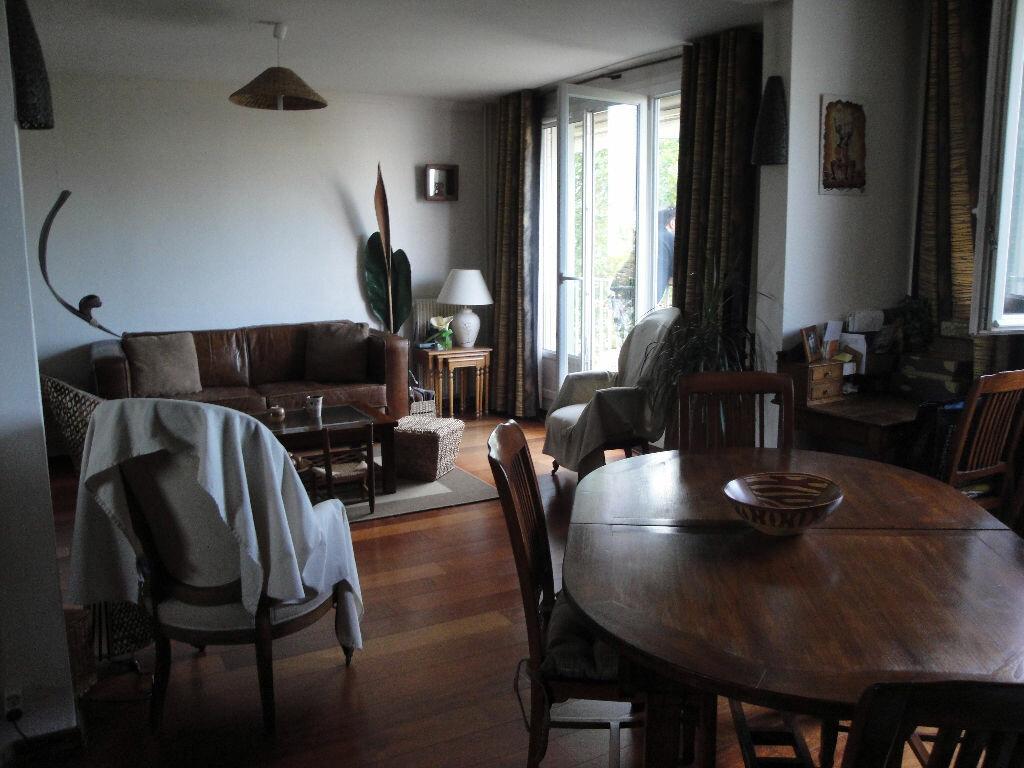 Achat Appartement 4 pièces à Saint-Maur-des-Fossés - vignette-2