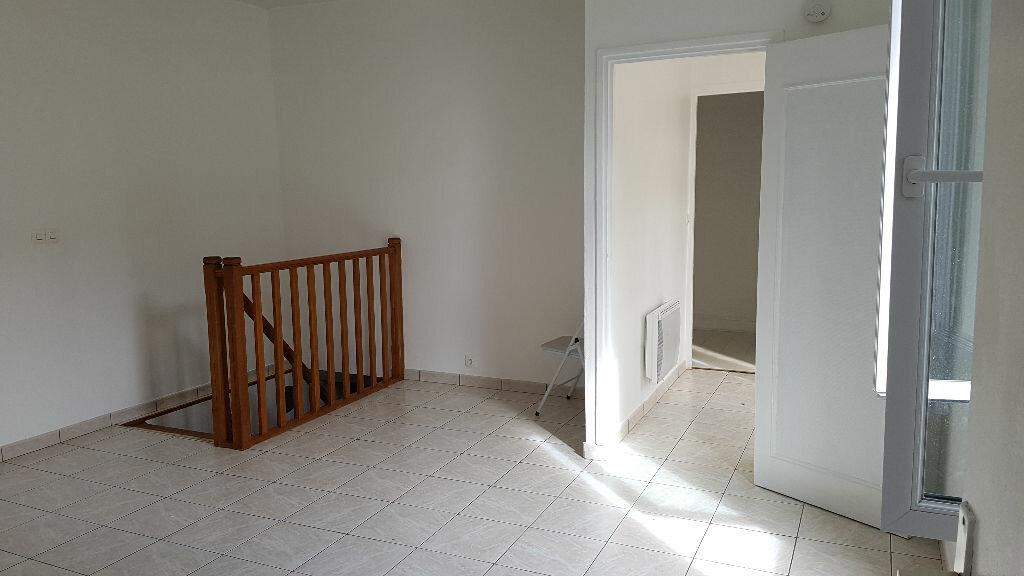 Location Maison 4 pièces à Saint-Maur-des-Fossés - vignette-1