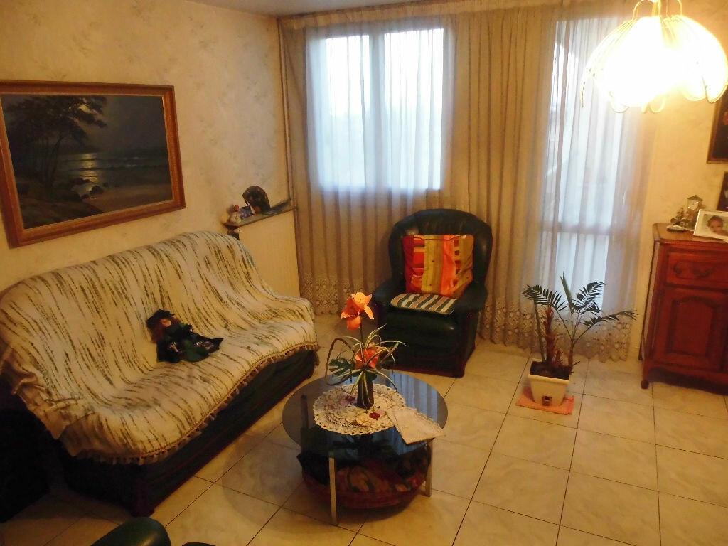 Achat Appartement 4 pièces à Dugny - vignette-1