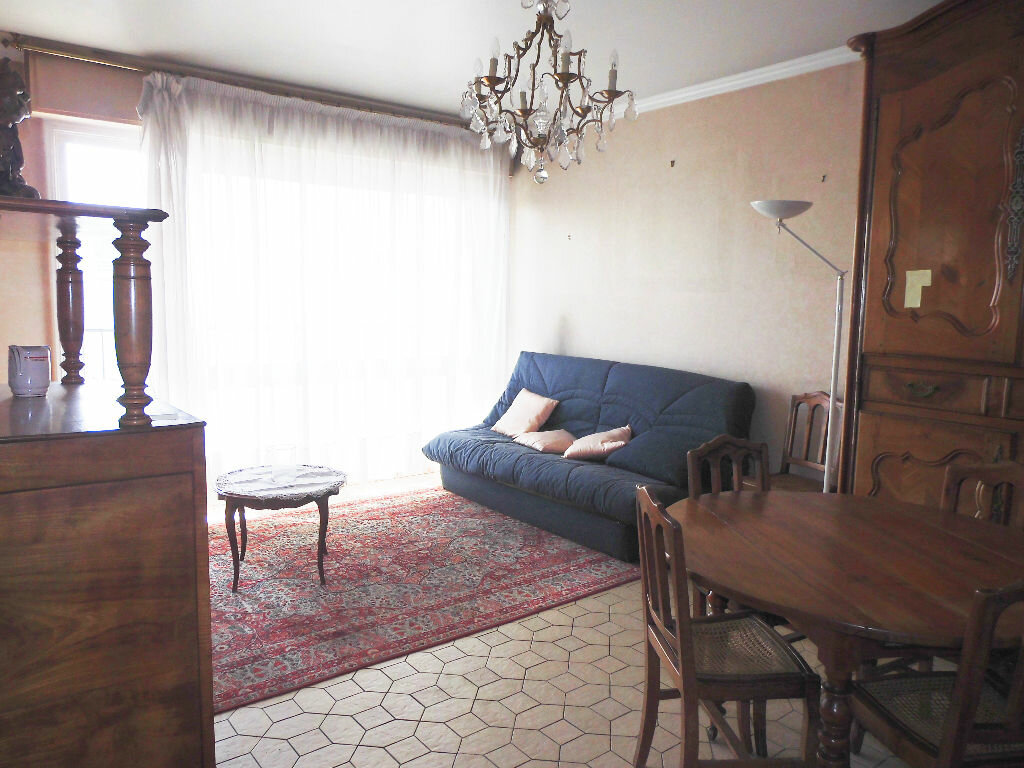 Achat Appartement 4 pièces à Le Bourget - vignette-2