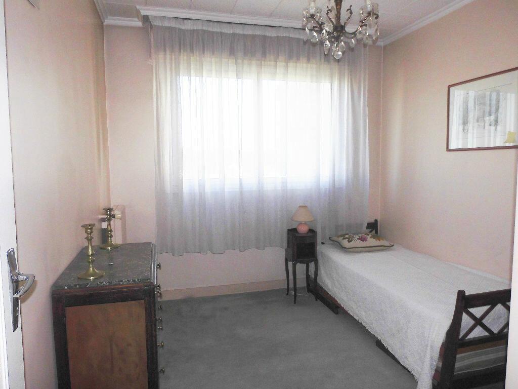 Achat Appartement 4 pièces à Le Bourget - vignette-5