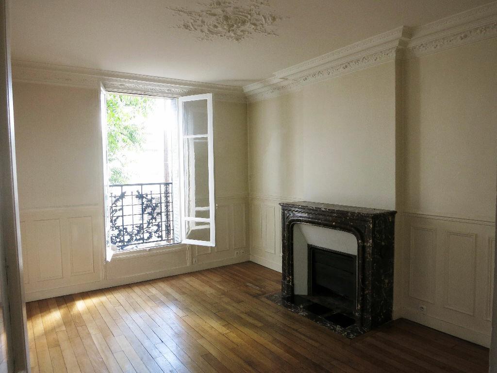 Location Appartement 3 pièces à Rueil-Malmaison - vignette-1
