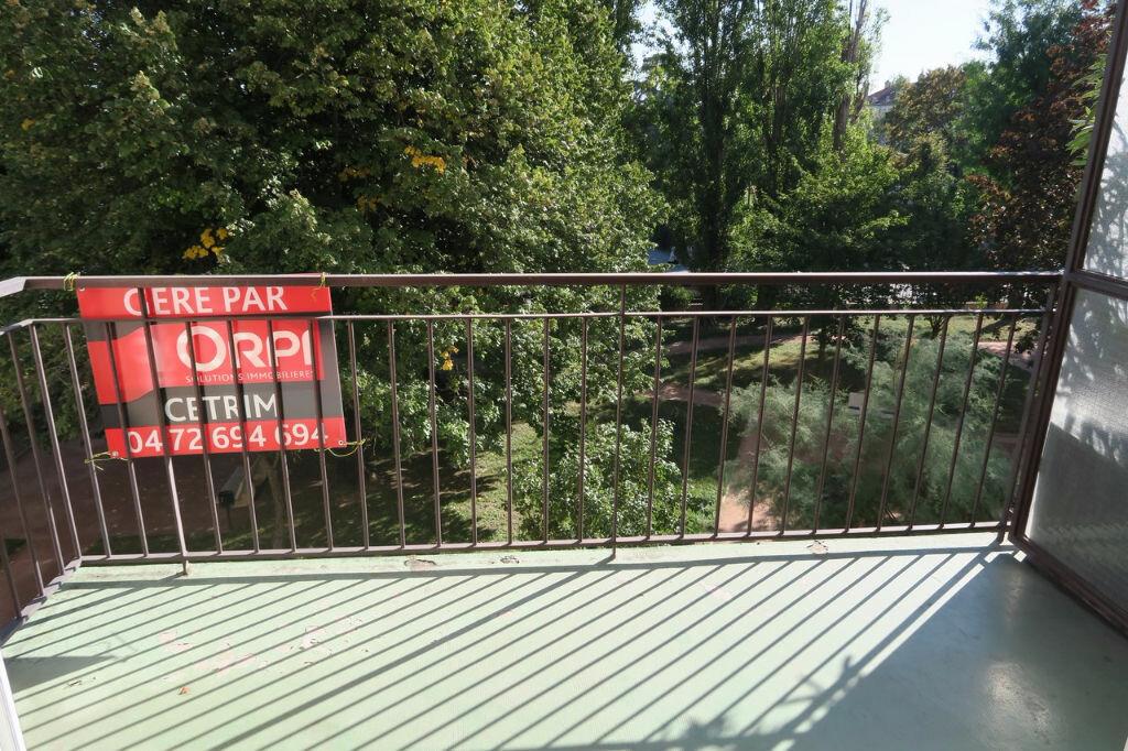 Location Appartement 3 pièces à Villeurbanne - vignette-1