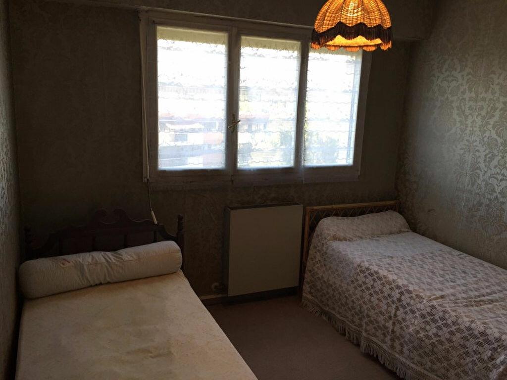 Achat Appartement 4 pièces à Saint-Raphaël - vignette-10
