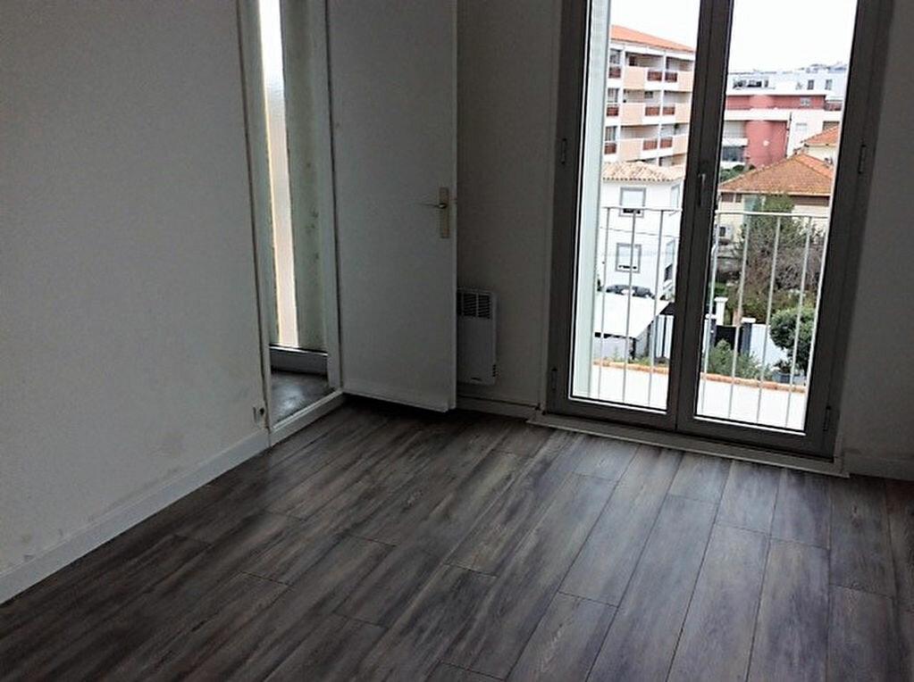 Achat Appartement 2 pièces à Saint-Raphaël - vignette-6