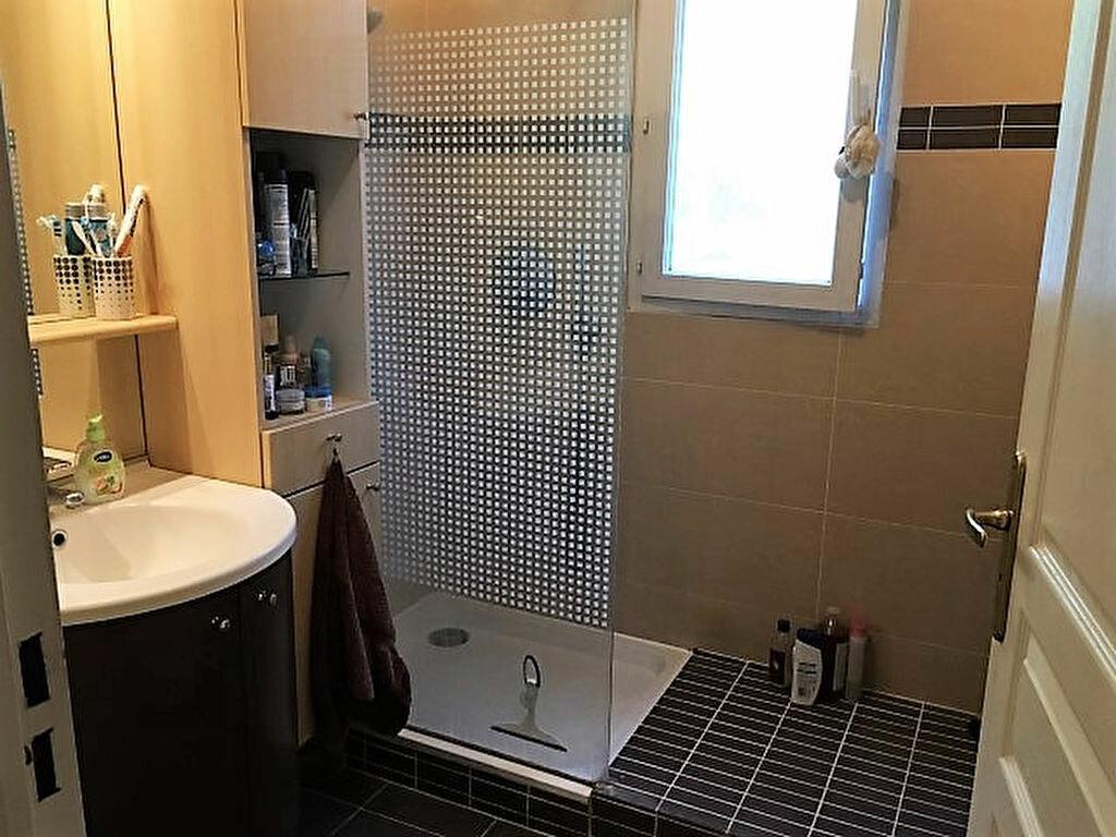 Achat Appartement 4 pièces à Saint-Raphaël - vignette-9