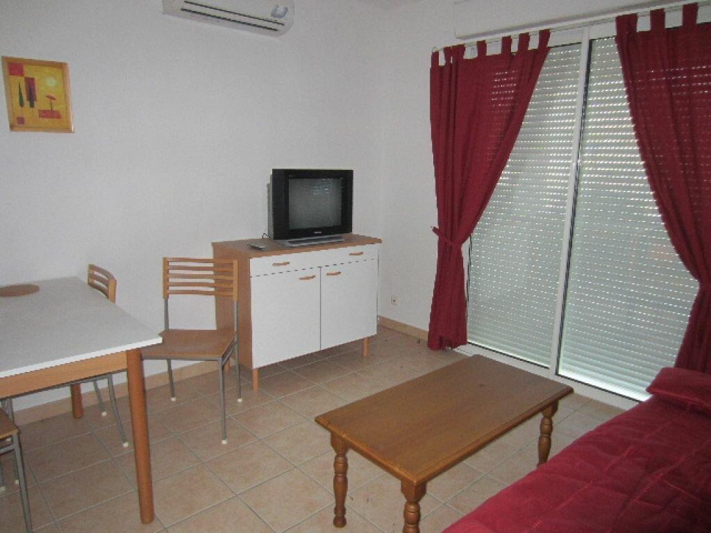 Location Appartement 2 pièces à Laragne-Montéglin - vignette-1