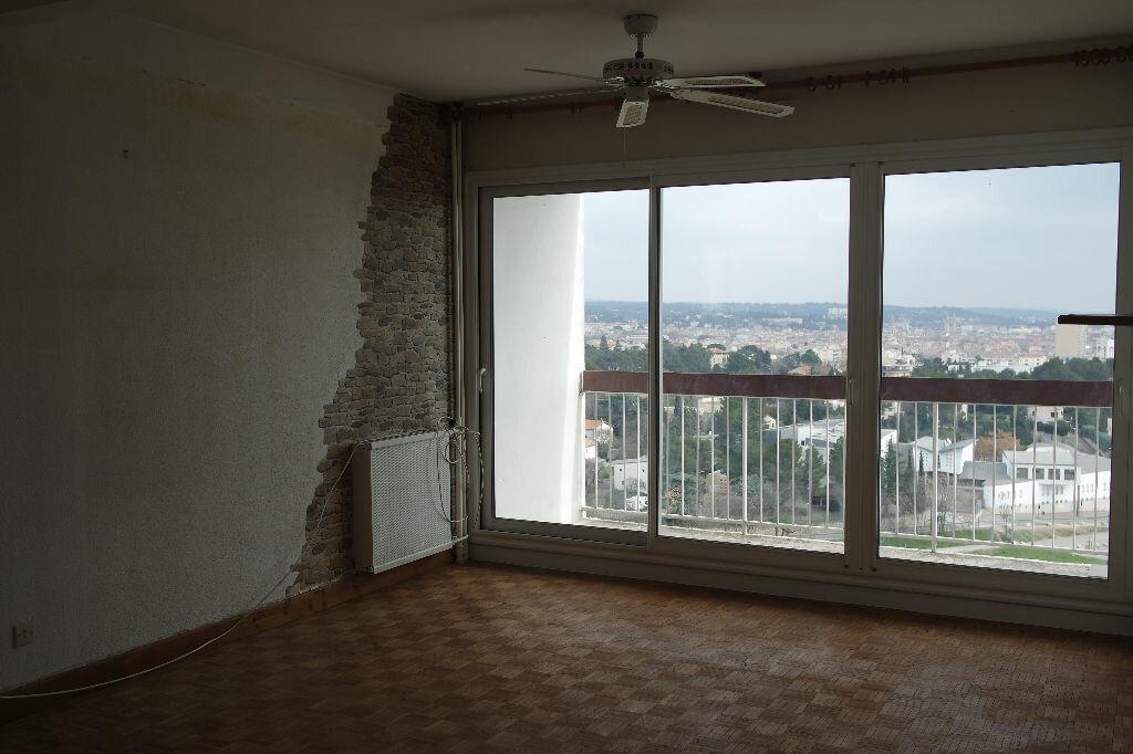 Achat Appartement 4 pièces à Nîmes - vignette-1