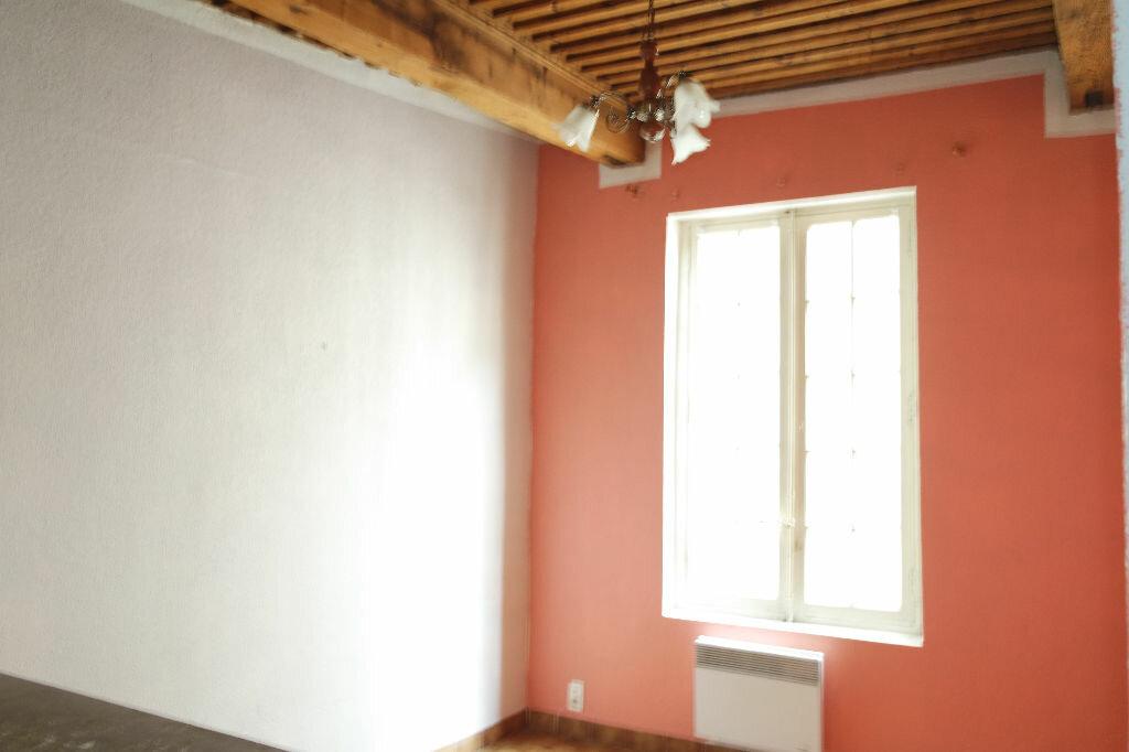 Achat Appartement 2 pièces à Nîmes - vignette-2