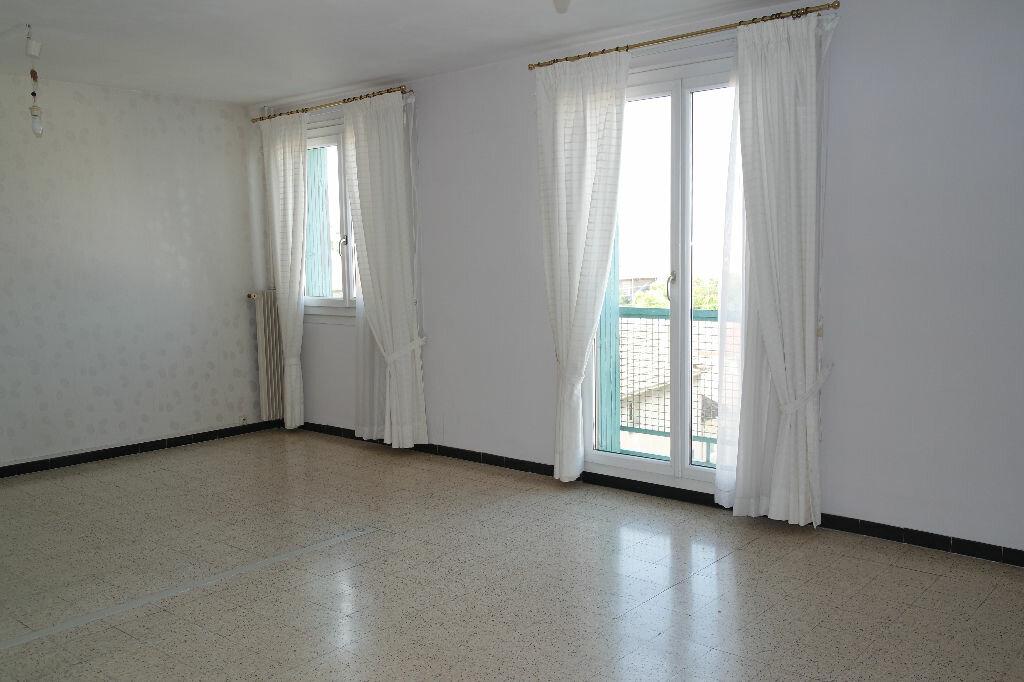 Achat Appartement 4 pièces à Nîmes - vignette-5
