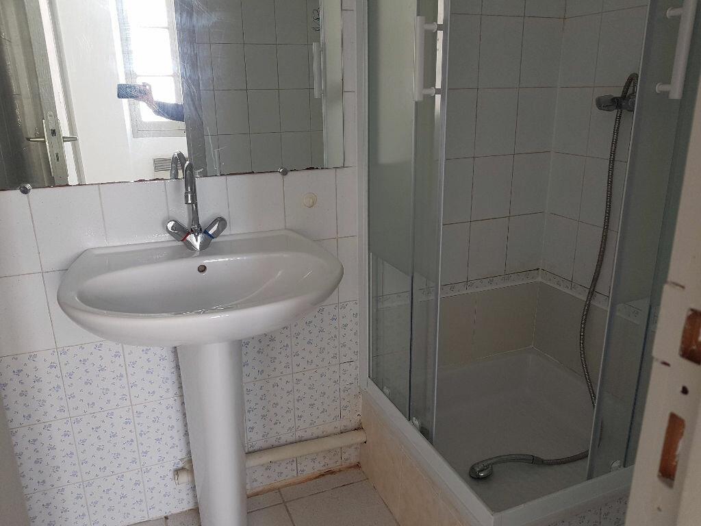 Location Appartement 2 pièces à Nîmes - vignette-12