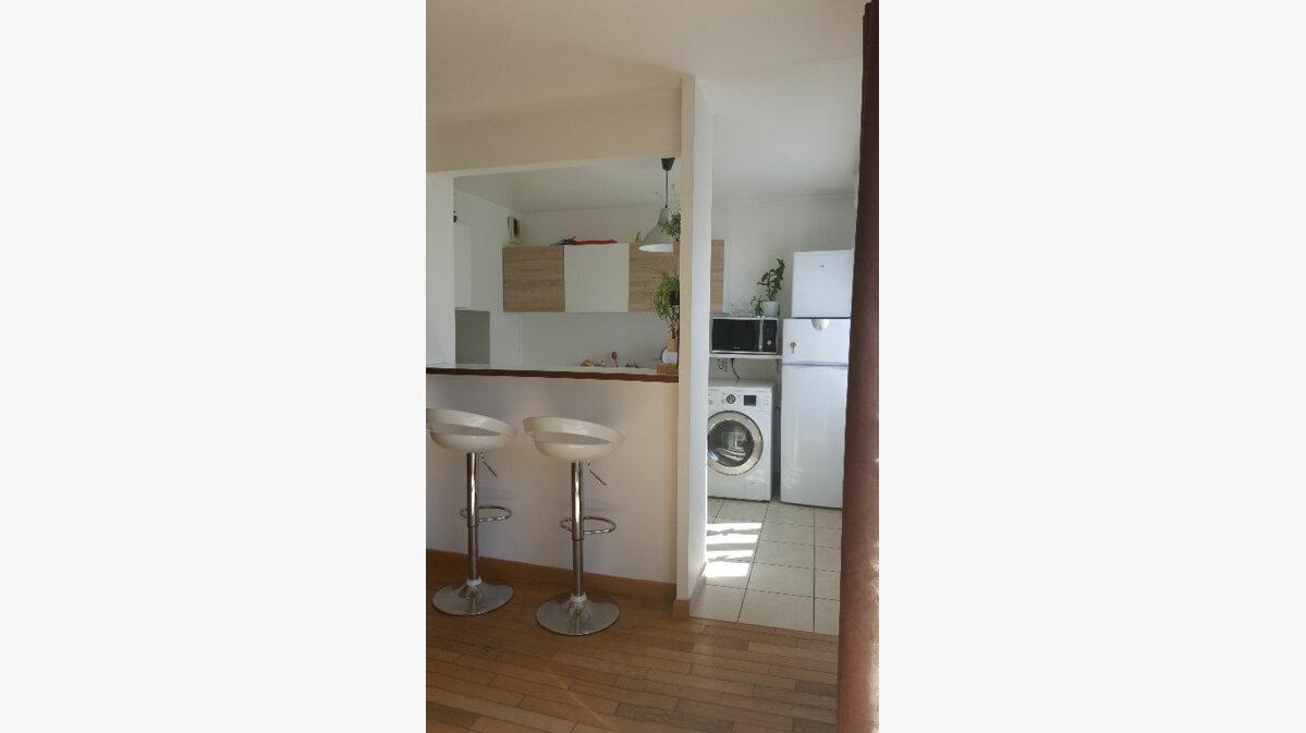 Location Appartement 4 pièces à Émerainville - vignette-1