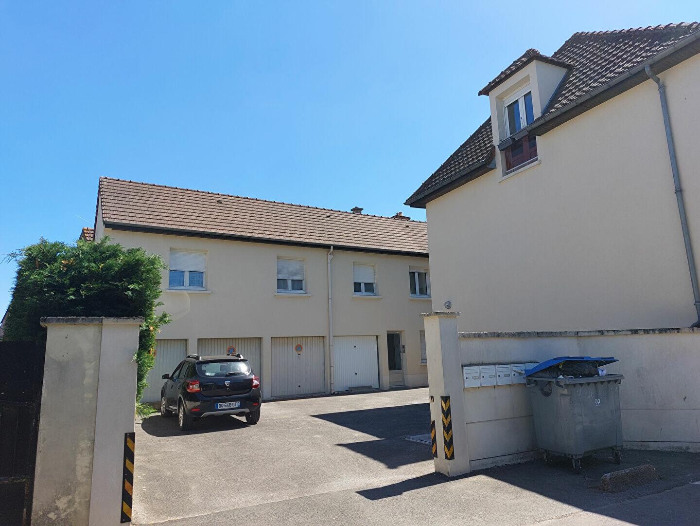 Location Appartement 2 pièces à Ozoir-la-Ferrière - vignette-1