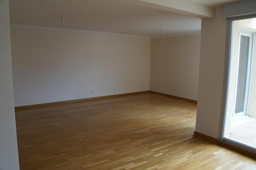 Achat Appartement 6 pièces à Essigny-le-Petit - vignette-1