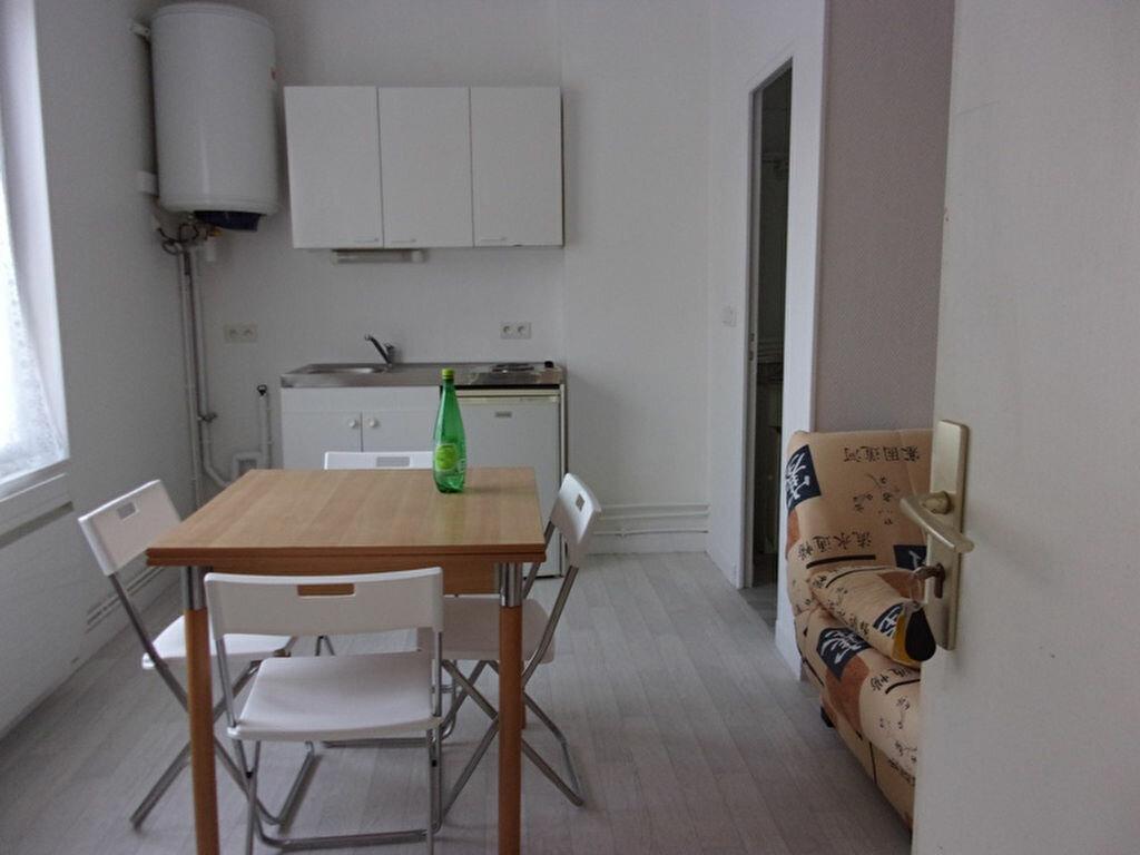 Location Appartement 1 pièce à Saint-Quentin - vignette-1