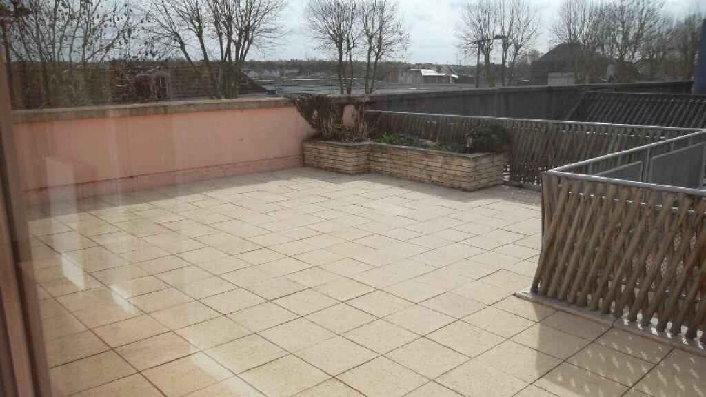 Location Appartement 4 pièces à Saint-Quentin - vignette-6