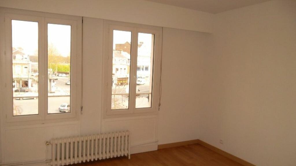 Location Appartement 4 pièces à Saint-Quentin - vignette-8