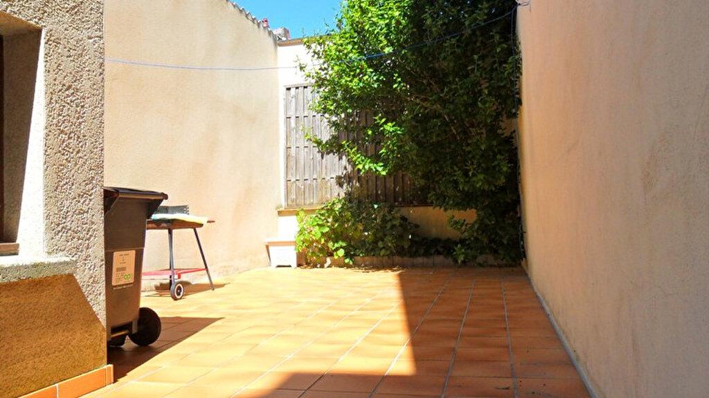 Location Maison 5 pièces à Saint-Quentin - vignette-3