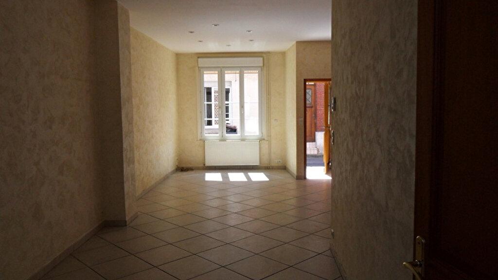 Location Maison 5 pièces à Saint-Quentin - vignette-5