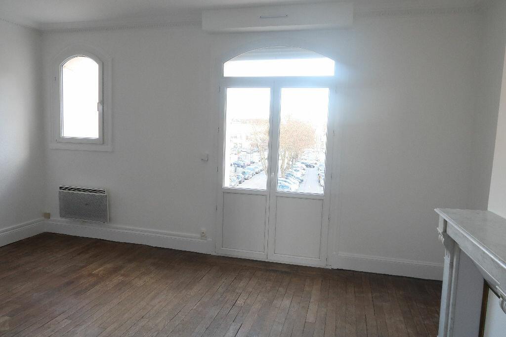 Location Appartement 2 pièces à Saint-Quentin - vignette-5
