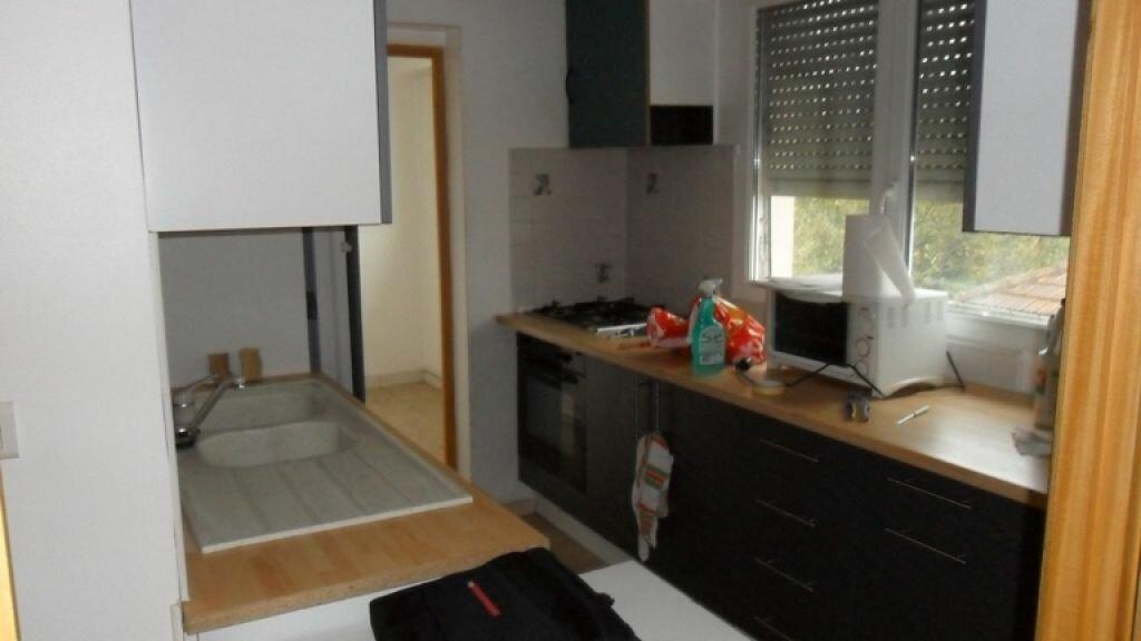 Achat Appartement 7 pièces à Saint-Quentin - vignette-2
