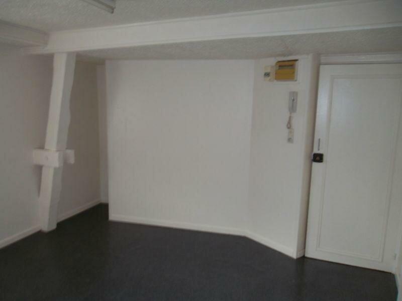 Location Appartement 1 pièce à Saint-Quentin - vignette-2
