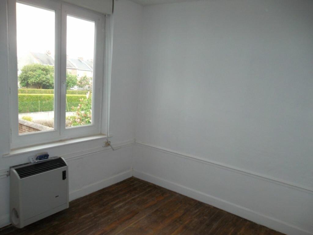 Location Maison 3 pièces à Saint-Quentin - vignette-2