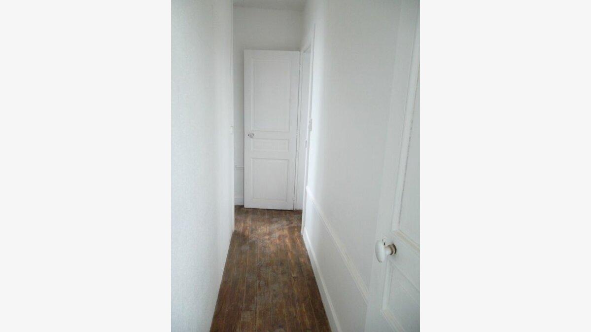 Location Maison 3 pièces à Saint-Quentin - vignette-4