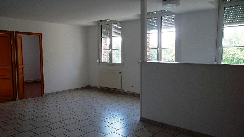 Location Appartement 3 pièces à Saint-Quentin - vignette-1